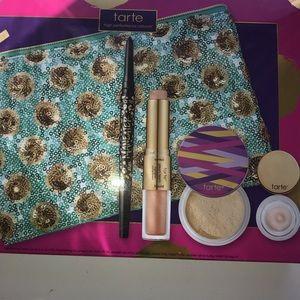 Tarte Busy Girls Essentials Set!SOLD!